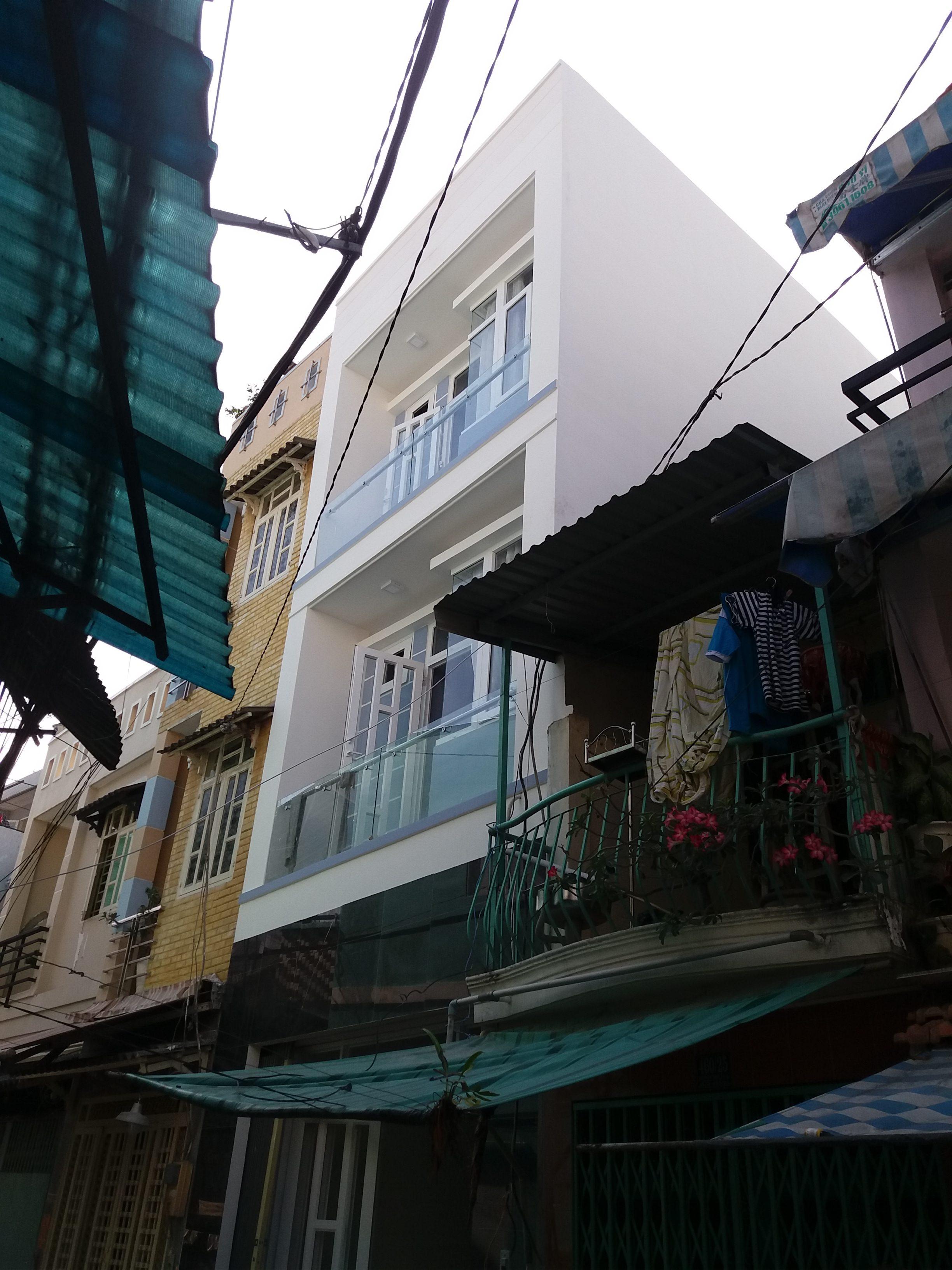 Nguyễn Thị Phượng</br> Q.4, Tp.HCM
